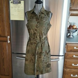 NEW YORK & COMPANY Dress Size 6